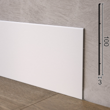 Білий алюмінієвий плінтус плоскої форми Sintezal P-102W, 100x3x2500mm.